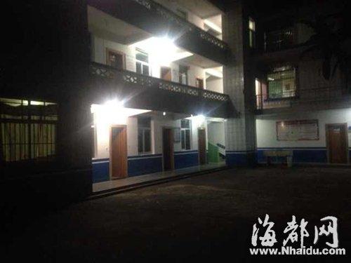 昨晚十时,海都记者赶到事发的大田县公安局奇韬派出所时,派出所大门口的铁门已关
