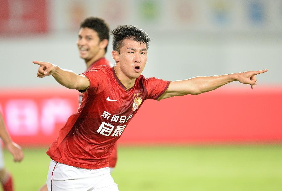 (體育)(2)足球——中超:廣州恒大勝上海申鑫(圖)圖片