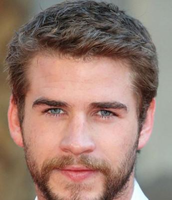 这款成熟稳重的男生短发,时尚的亚麻色染发,充满男人魅力.图片