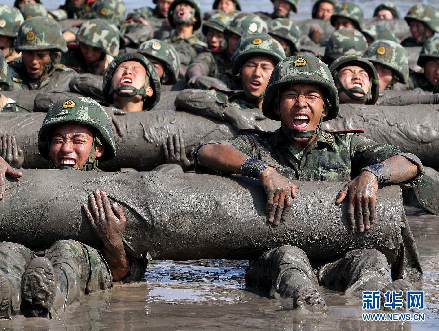 """上海武警特战队""""魔鬼日""""考核目击"""