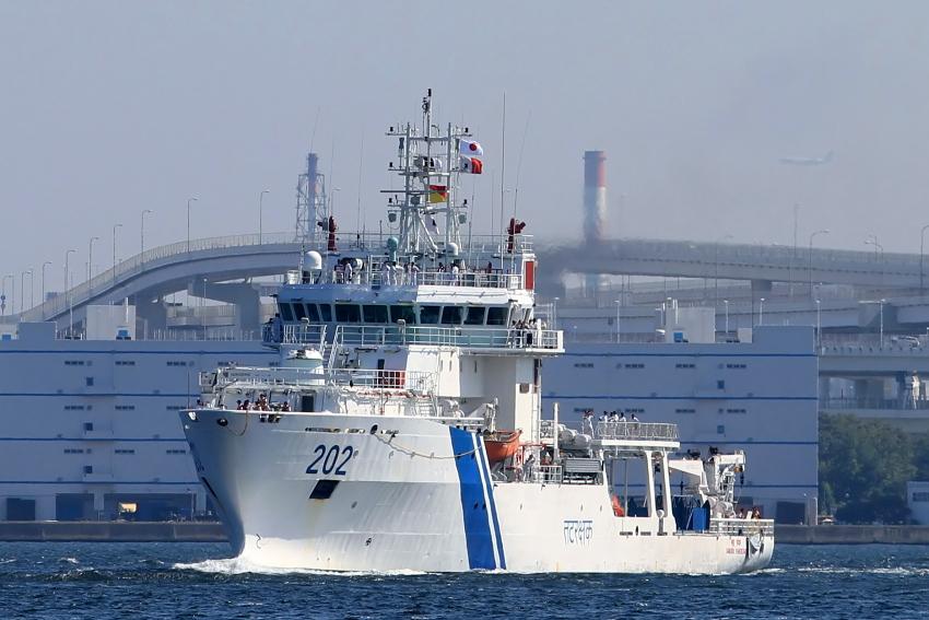 印度海警船到访日本洒水欢迎(1/16)(组图)