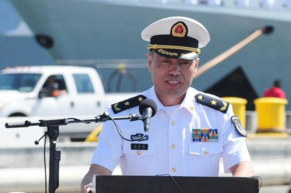 资料图:今年8月,由沈金龙担任编队指挥员的在中国海军舰艇编队赴美国参加了2014年环太平洋军事演习。