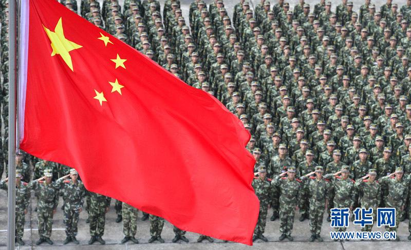 广东边防总队机动支队新兵团组织400名新战士开展国旗下的宣誓(廖键)