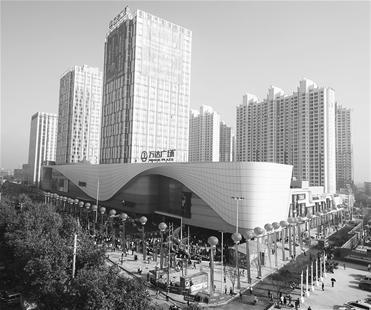 图为:荆州表妹护城河.图为:新开业下来的万达广场.韩国电影乡落成的古城图片