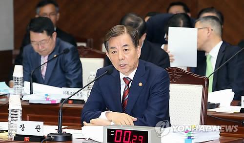 韩国国防部长官韩民求(图片来源:韩联社)