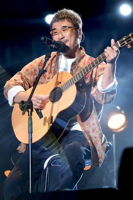 李宗盛在上海简单生活节大地舞台压轴演出