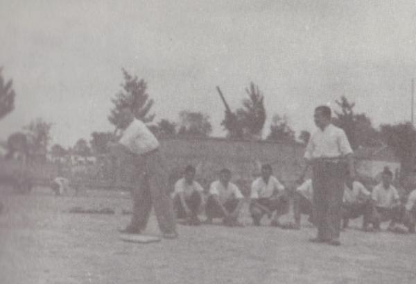 """棒球运动的特殊性是由其主要参与群体的独特性决定的,也正因为参与群体的""""高知""""特性,这项运动更多地被赋予了体育统战的色彩。"""