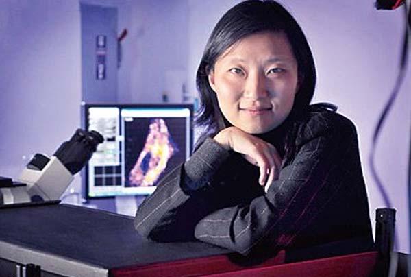 华裔女科学家庄小威诺贝尔化学奖揭晓后,多位科学家撰文质疑评选结果,称华裔女科学家庄小威亦应分享这一奖项。