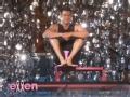 《艾伦秀第12季片花》S12E22 乔什为慈善捐款换内裤落水