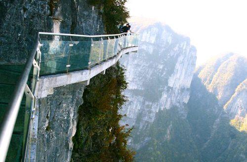 盘点:国外7大玻璃观景台 让人心惊胆战