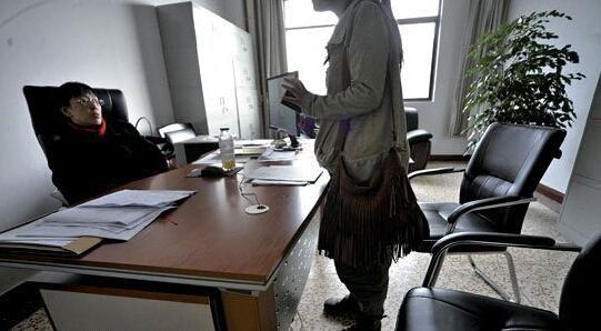 该校教务处相关负责人拒绝接受采访。