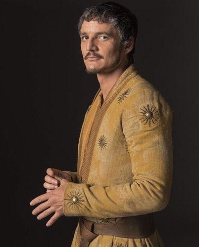 """佩德罗-帕斯卡在《权力的游戏》中饰演oberyn martell,人称""""红毒蛇"""".图片"""