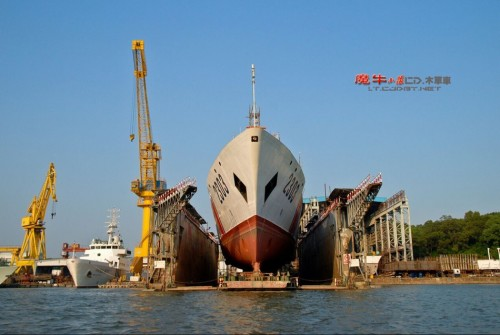 """据中国海洋报报道,10月16日,""""中国海警1306""""船在青岛团岛码头正式入列国家海洋局北海分局所属的中国海监北海总队。"""