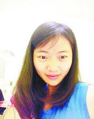 看起来文静乖巧的郭春梅是家里最小的孩子,她的失联让家人都非常担心。市民朋友如果有线索,请与春梅的姐姐郭女士联系,联系电话:15859849183。