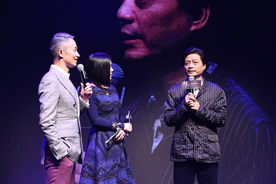 崔永元推荐《东方风云汇》。(点击进入组图)
