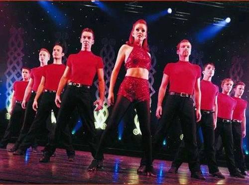 """爱尔兰舞之魂舞蹈团表演的踢踏舞""""舞之魂"""""""