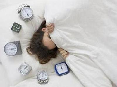 更年期保健品_年轻时爱赖床的女性易更年期提前