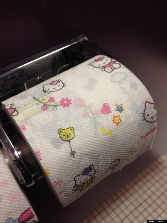 美七旬老太痴恋Hello Kitty 所用物件均带其标志