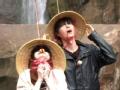 《明星家族的2天1夜片花》第八期 王心凌带帽子吃糖 首逃出原始森林