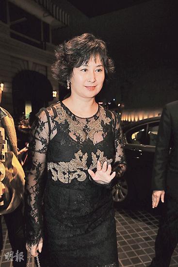 林青霞庆60岁生日戴皇冠 继女打造浪漫派对(组图)图片
