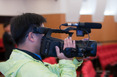 图文:三星杯半决赛第一局 摄影记者正在拍摄