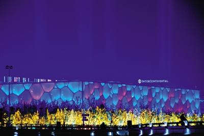 夜色中的水立方。今晚,水立方将举行APEC领导人非正式会议欢迎晚宴及文艺演出。图/CFP
