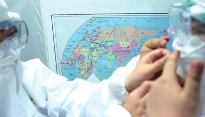更衣室的地图上标明了北京和塞拉利昂的位置,能不能去,训练中的表现很重要。