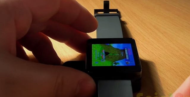 碉堡了!国外达人用智能手表畅玩PS1