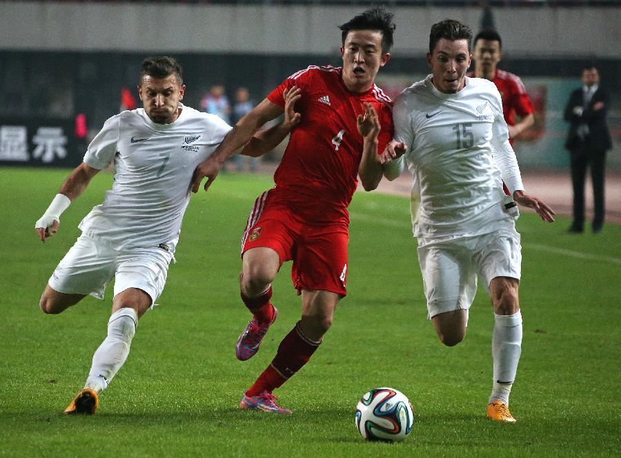 国际足球友谊赛巴西_(体育)(12)足球——友谊赛:中国队平新西兰队(图)-搜狐滚动