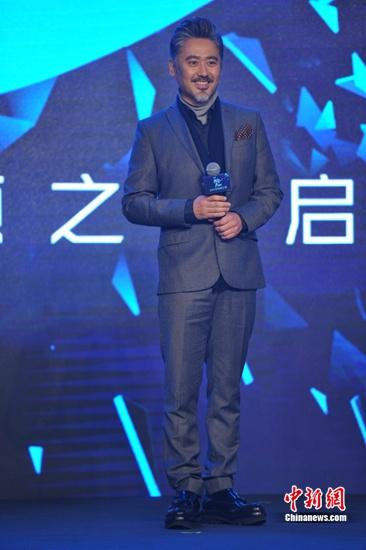 """吴秀波将演剧版""""西雅图"""" 谈秋裤:要考虑为谁而活"""