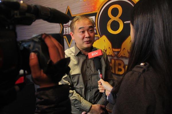 图文:北京台球俱乐部联赛落幕 接受媒体采访