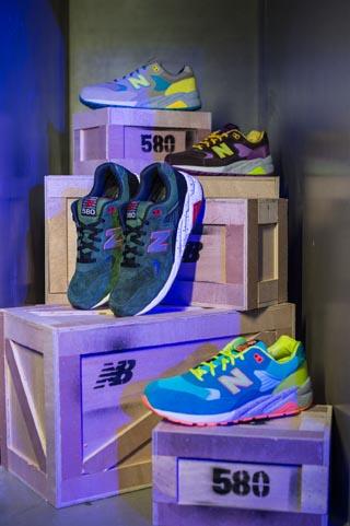 场展示580系列鞋款