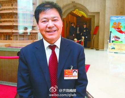中新网11月18日电  据齐鲁晚报官方微博消息,蓝翔校长荣兰祥请辞全国人大代表。