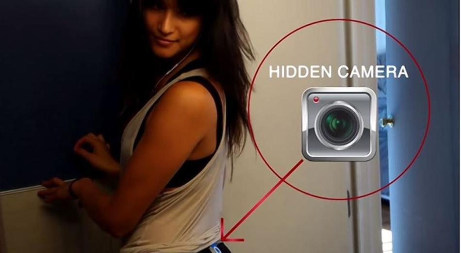 女子臀部藏摄像机实验:59人偷看组图