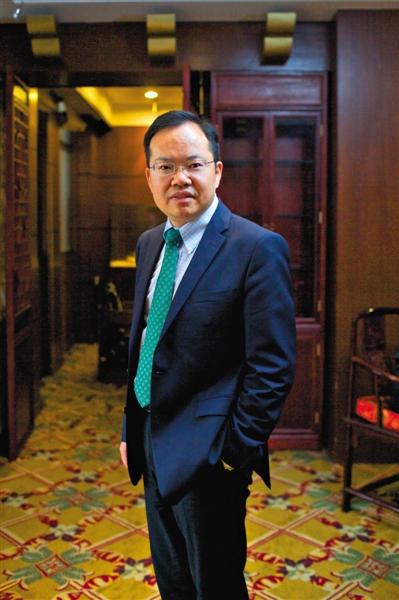 鲁政委 经济学博士,兴业银行首席经济学家。1997年开始研究中国经济,2006年加盟兴业银行市场研究团队。