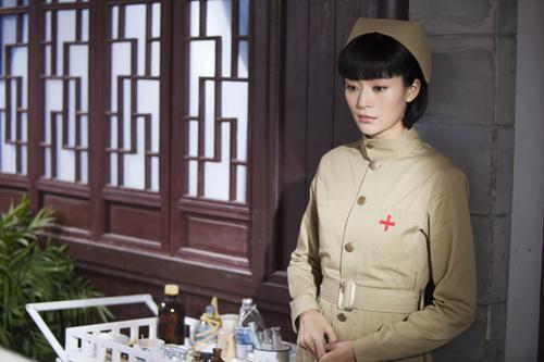 《战火红颜》鲜花团 王媛可颖儿牟星组三朵金花