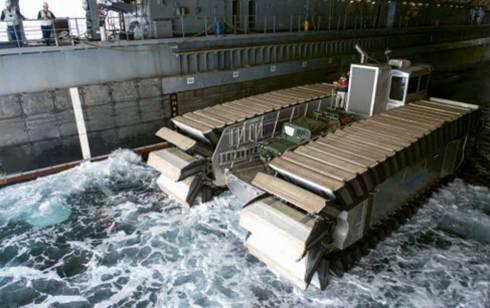 """17月11日""""环太平洋2014""""演习中,Navatek有限公司和海军研究局"""