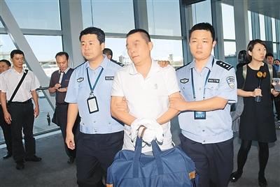 2014年9月27日,中国警方在泰国执法部门大力配合下抓获犯罪嫌疑人庞某。