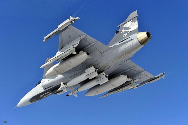 "jose crepaldi)新近透露,该国空军计划购买""至少""108架""鹰狮""ng战斗机图片"