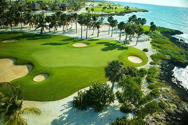蓬塔卡纳地区是高尔夫球客的海滨度假胜地