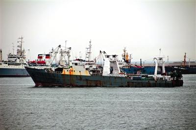 """12月1日,韩国""""Oryong 501""""渔船在白令海沉没,造成1人死亡,50余人受伤。图为""""Oryong 501""""渔船资料图片。"""