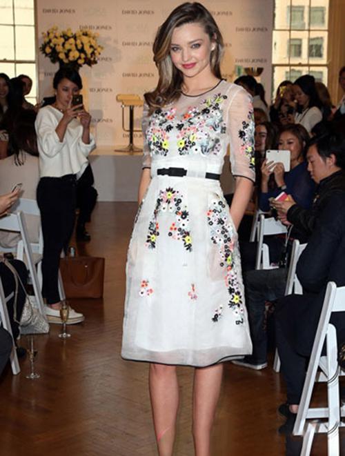 真空透视装人体艺术_即将2015春夏 中国时装周的t台上, 非真空透视装成为 最hit的潮流装扮