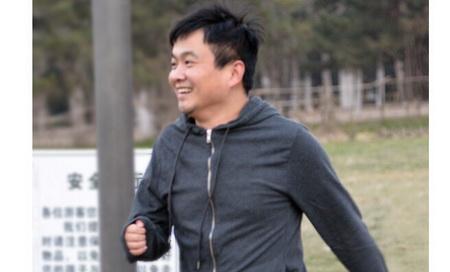 爱跑步的杨浩涌