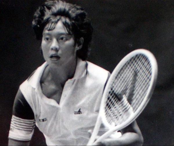 胡娜当年在网球赛场上