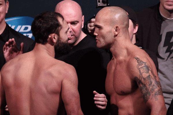 劳勒(右)击败亨德里克斯成为UFC次中量级新冠军