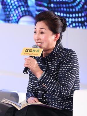 清华大学附属小学校长窦桂梅女士出席2014搜狐教育年度盛典