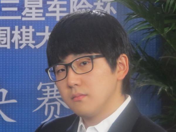 图文:三星杯决赛第二局打响 金志锡表情特写