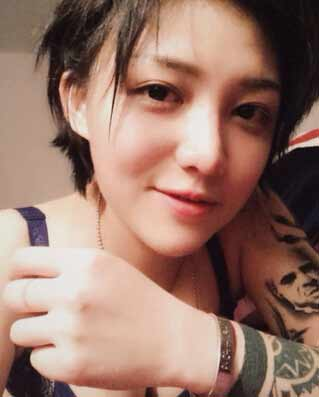 lofter最美女纹身师爆红网络 形似陈冠希引热议图片