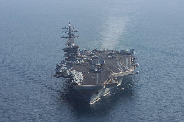 资料图:美军艾森豪威尔号核动力航母.图片