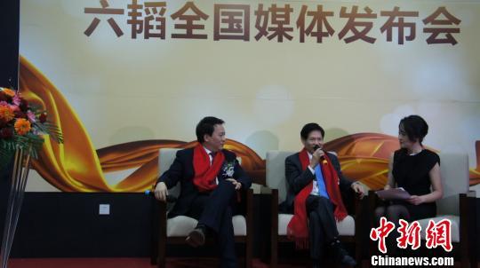 香港珠宝大亨谢瑞麟接受采访 梁盛 摄